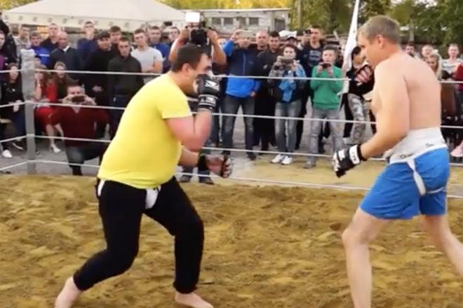 50-летний боксер вышел против ММА-бойца