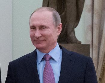 Путин заявил, что отношения РФ и Японии успешно развиваются