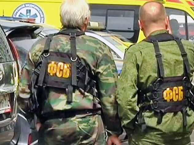 Напавшие на пермских учеников проникли в школу через черный ход