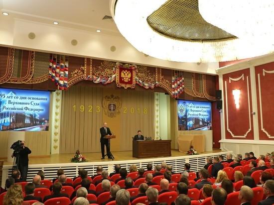 Появление Путина в Верховном суде реанимировало тему «отставки Медведева»