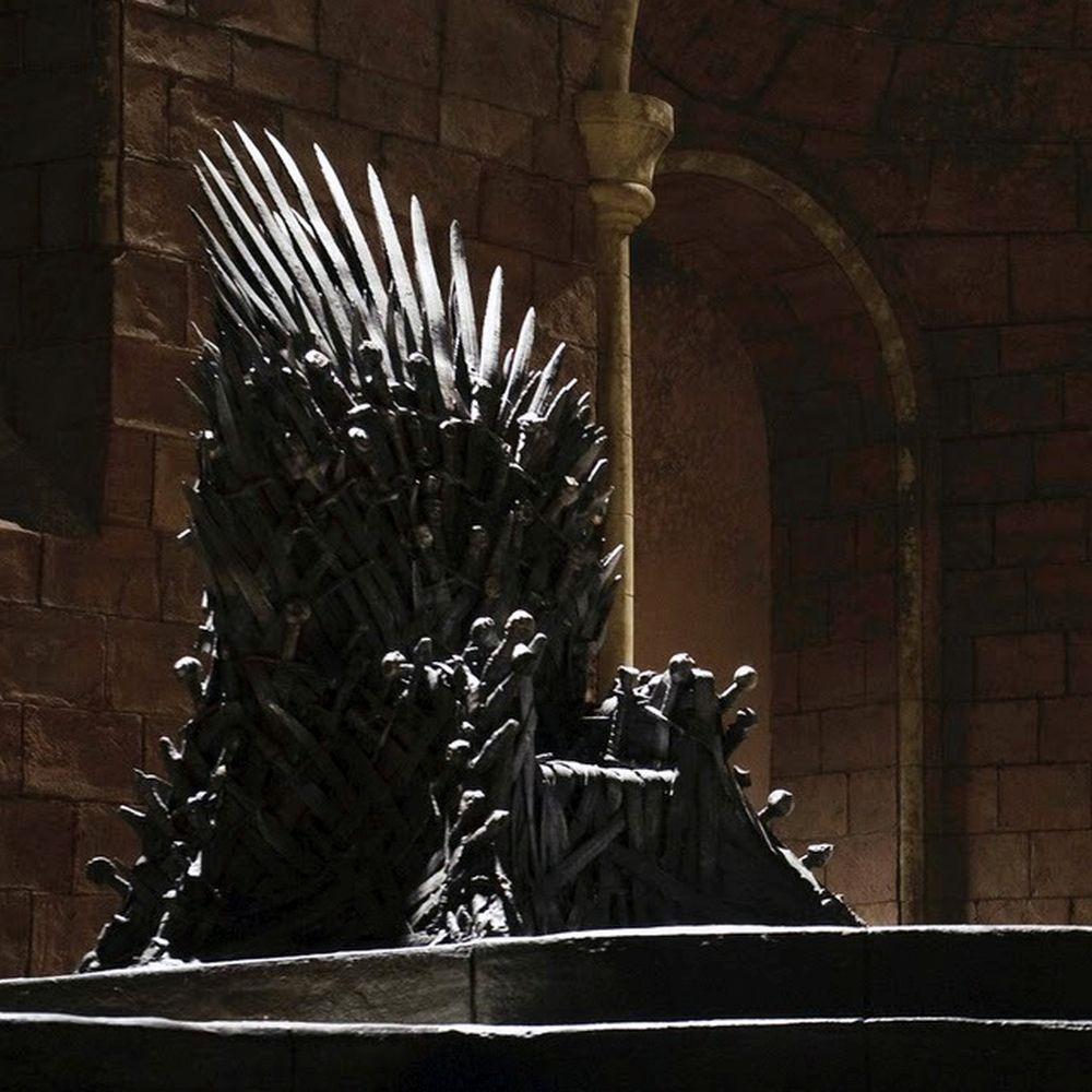Кто займет Железный трон? Отвечают политологи