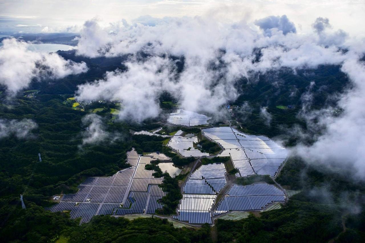 И уму, и сердцу: японские солнечные батареи с высоты птичьего полёта