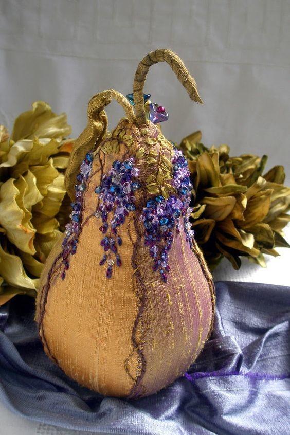 Невероятной красоты игольницы от Jill Verbick