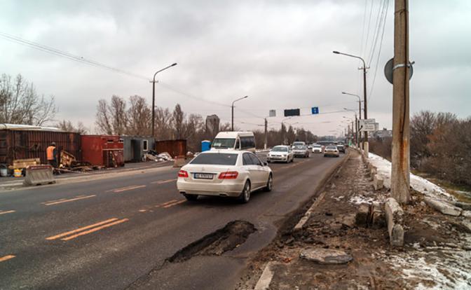 Почему Путин Крымский мост построил, а днепропетровский не отремонтировал