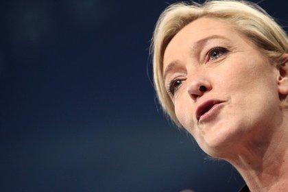 Марин Ле Пен пообещала признать Крым российским