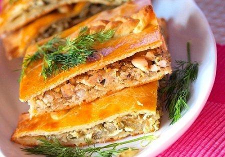 Приготовьте на ужин рыбный пирог со сметаной!