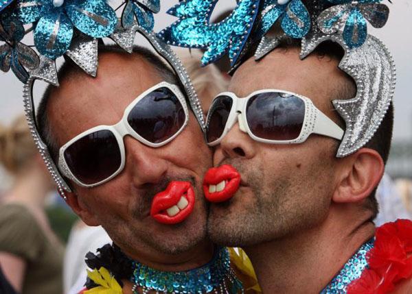 1. Михаил Веллер о том, что гомосексуализм это патология.  2. Почему запад любит голубых.