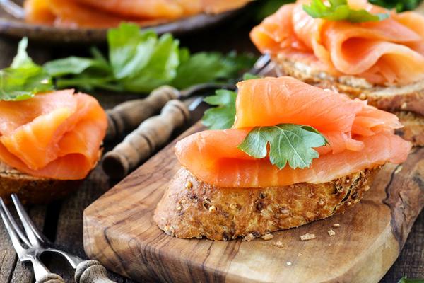 8 эффектных закусок, которые можно сделать за секунды