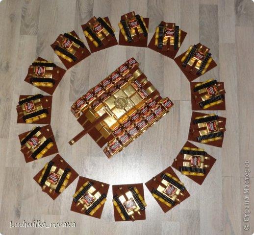 Мастер-класс Свит-дизайн 23 февраля Моделирование конструирование МК маленького но очень мощного Танка  Бумага гофрированная фото 28