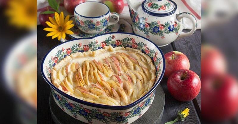 Пирог для дворянских семей со сметанной заливкой