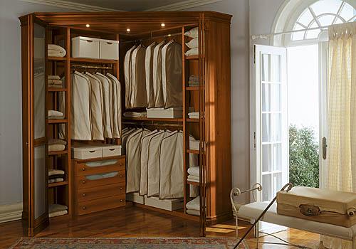 Угловой шкаф в дизайне дома.