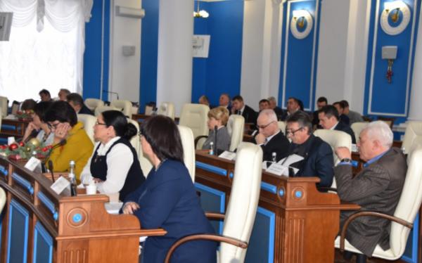 Видео: депутаты ЗакСобрания …