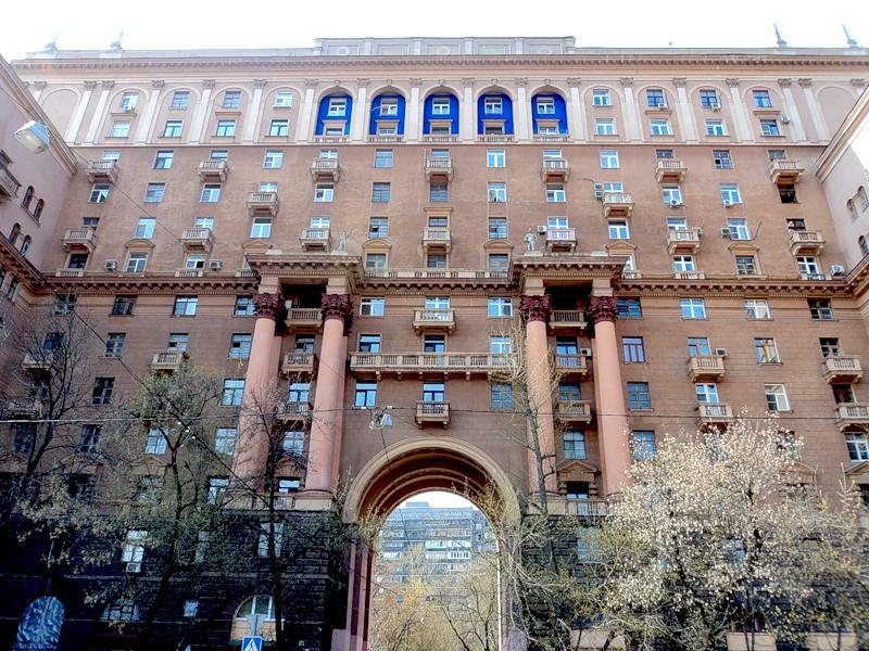 Плюсы и минусы «сталинских» домов