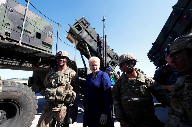 Зачем американцам Patriot в Прибалтике? Или девочка с фарфоровой головой...