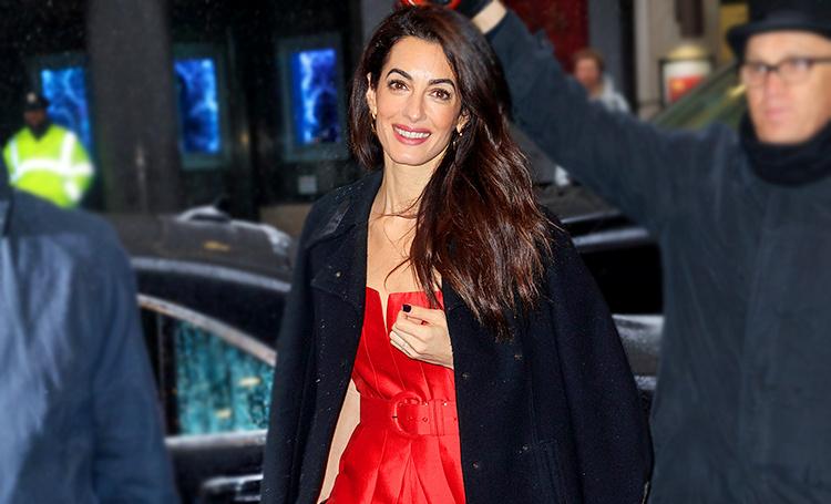 Роковая красотка: Амаль Клуни на вечеринке в честь будущего ребенка Меган Маркл и принца Гарри