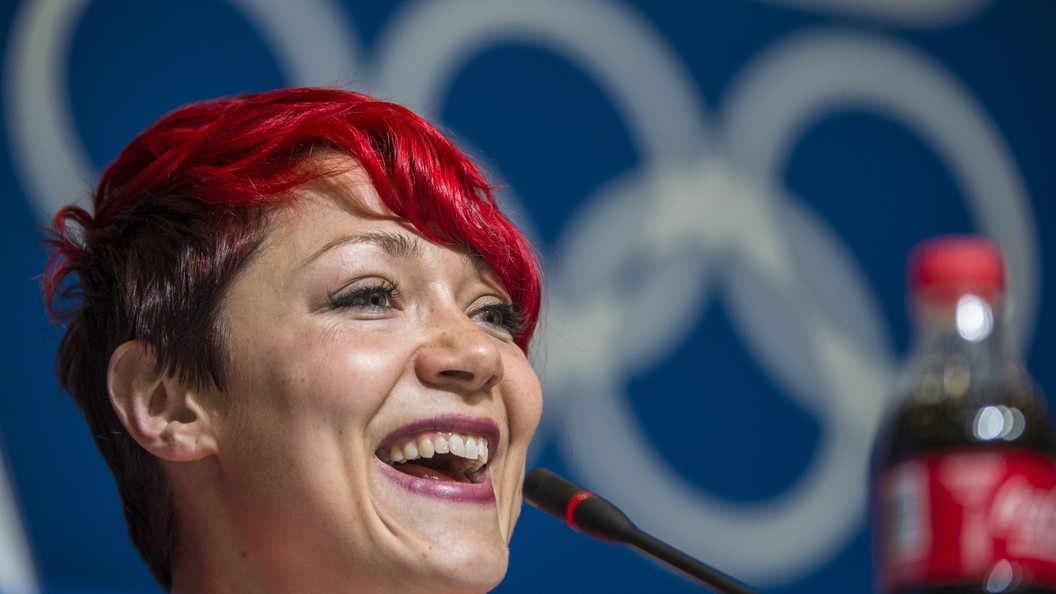Американская скелетонистка расплакалась от счастья, узнав о дисквалификации обошедшей её россиянки