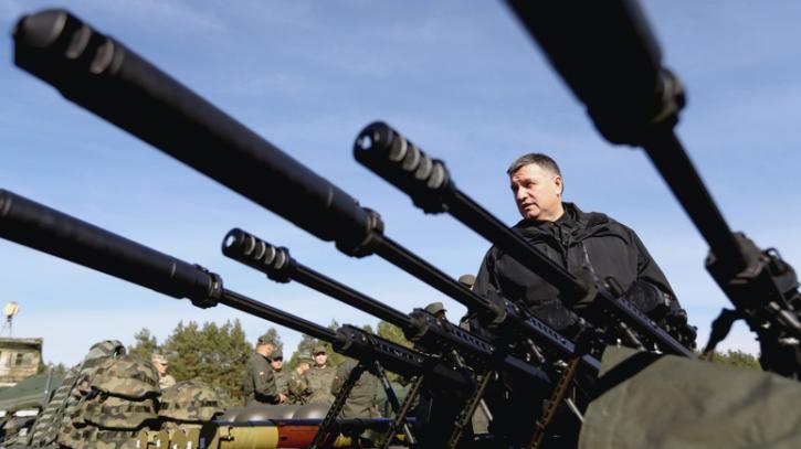 Глава МВД Украины пообещал России и ЕС огромные жертвы и толпу беженцев