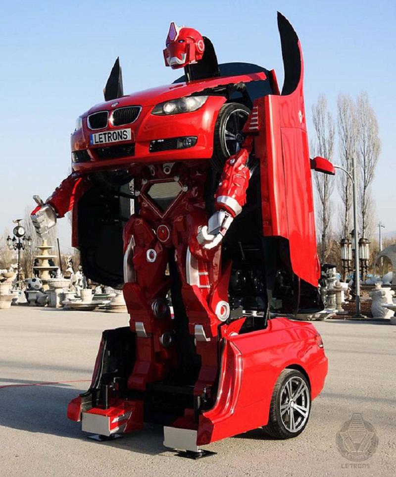 На первый взгляд, это простой автомобиль, но когда откроются двери, вы ахнете!