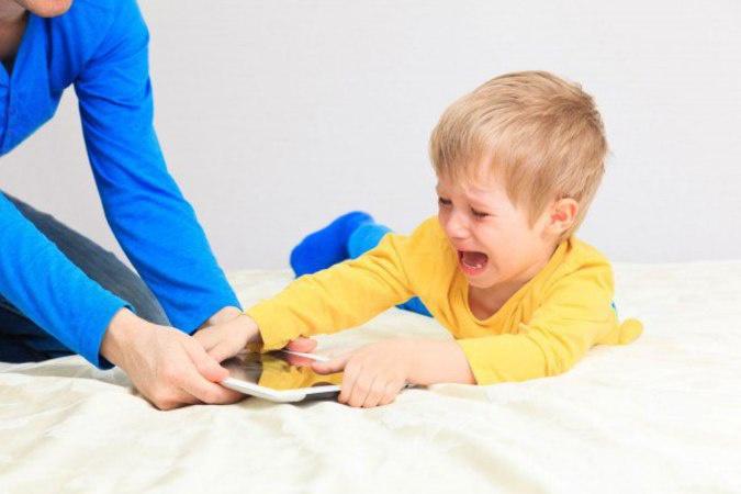«Мама все знает»: Apple введет функцию жесткого родительского контроля