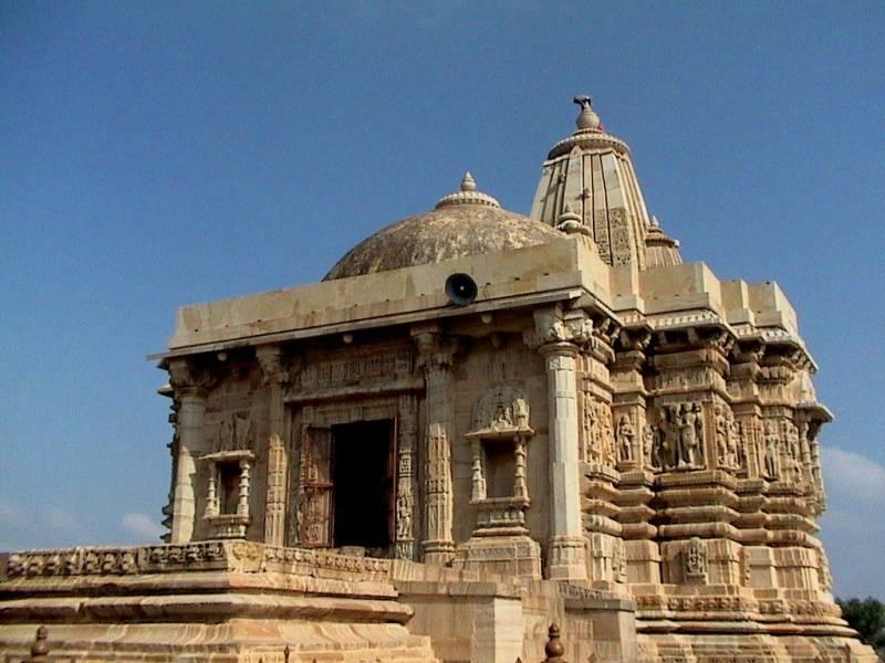 Читторгарх: крепость раджпутов, воды и храмов (часть вторая)
