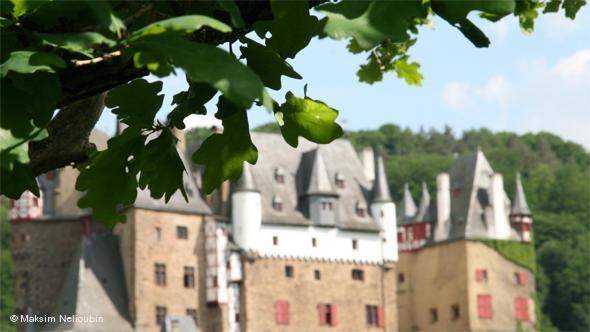 На подступах к замку