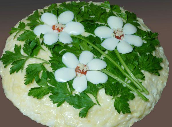 """Салат с корейской морковью и грибами """"Три цветка"""""""