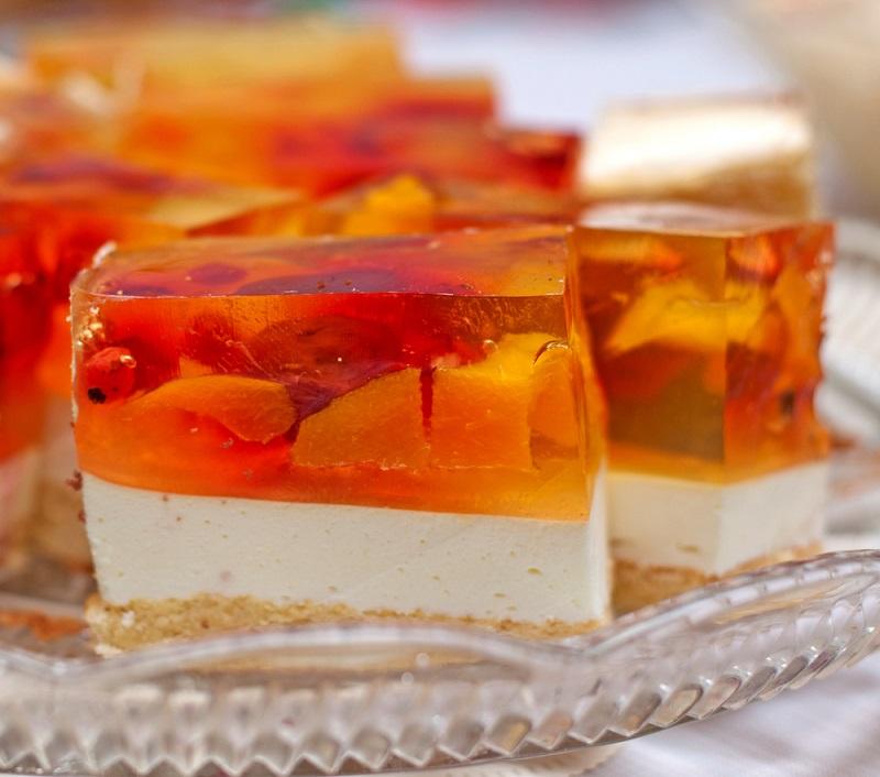 https://ru.depositphotos.com/18433527/stock-photo-jelly-cake-with-peach.html