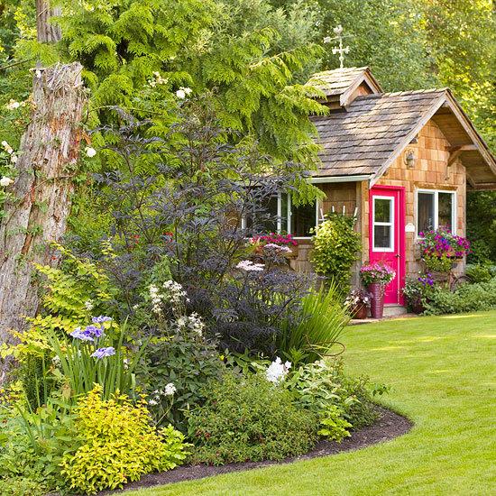 плюсы и минусы коттеджного стиля сада