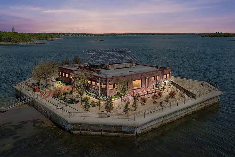 Возле Нью-Йорка продаются два приватных острова