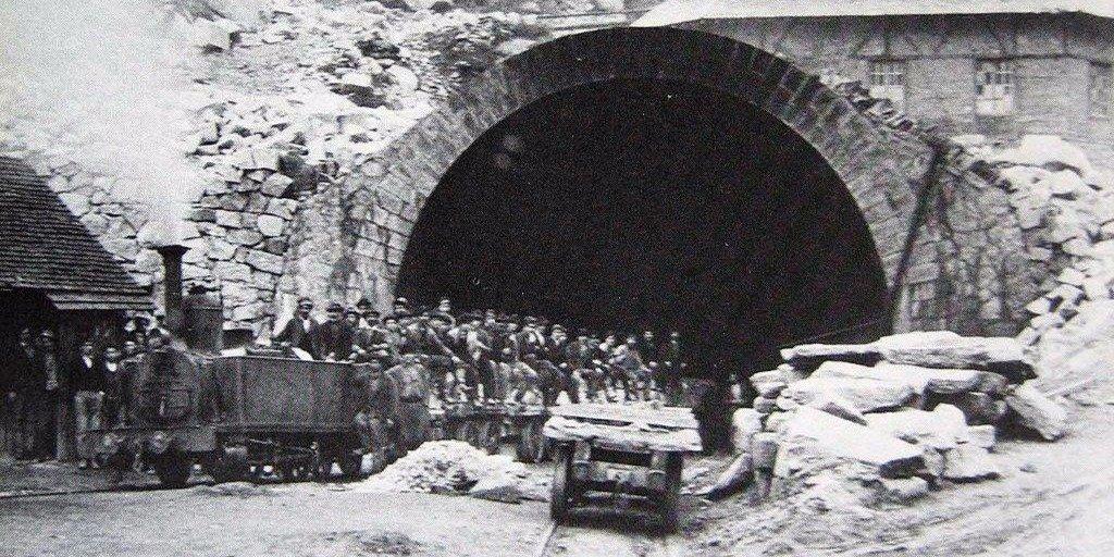 Как устроен самый длинный тоннель в мире