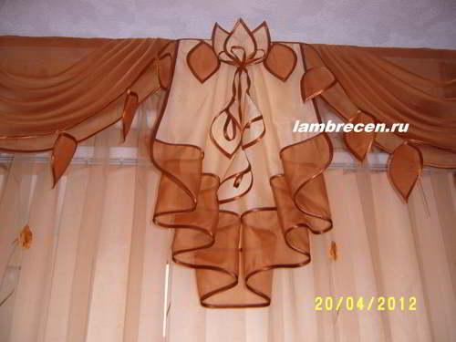 Цветы из ткани для украшения штор и ламбрекенов. Мастер класс.