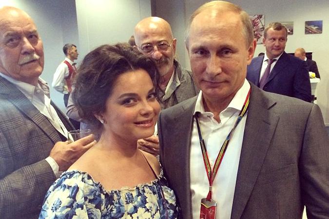 Украинские националисты затравили Наташу Королёву за фото с Путиным