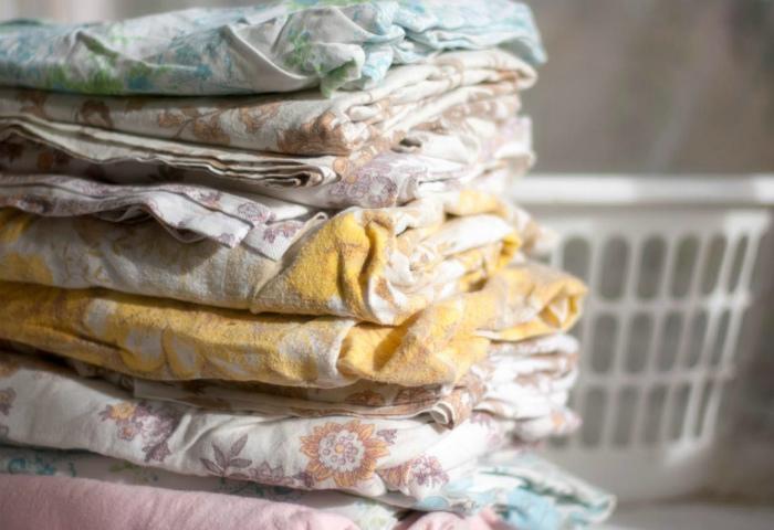 Старые комплекты постельного белья.