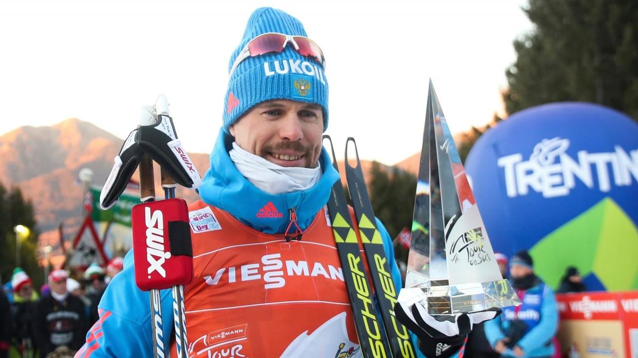 «Наконец-то выиграл здоровый лыжник»: как встретили триумф Устюгова в «Тур де Ски»