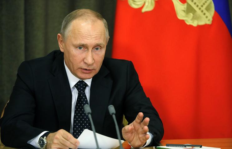 Путин учредил в России День волонтёра