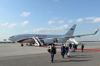 СМИ сообщили о повреждениях президентского самолета