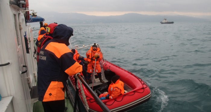 В районе поисков Ту-154 обнаружен американский бомбардировщик