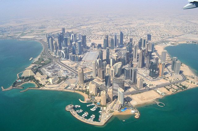В Катаре впервые за несколько лет прошел ливень с грозой