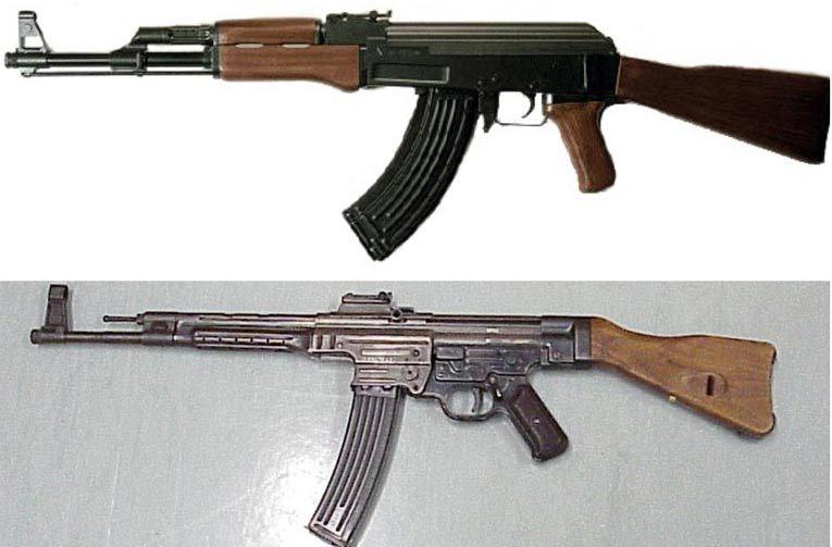 В собранном виде АК-47 и Stg-44 выглядят как братья-близнецы. Фото: wikimedia.org