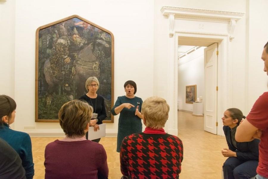 Русский музей открывает тактильную экспозицию для слабовидящих в Строгановском дворце