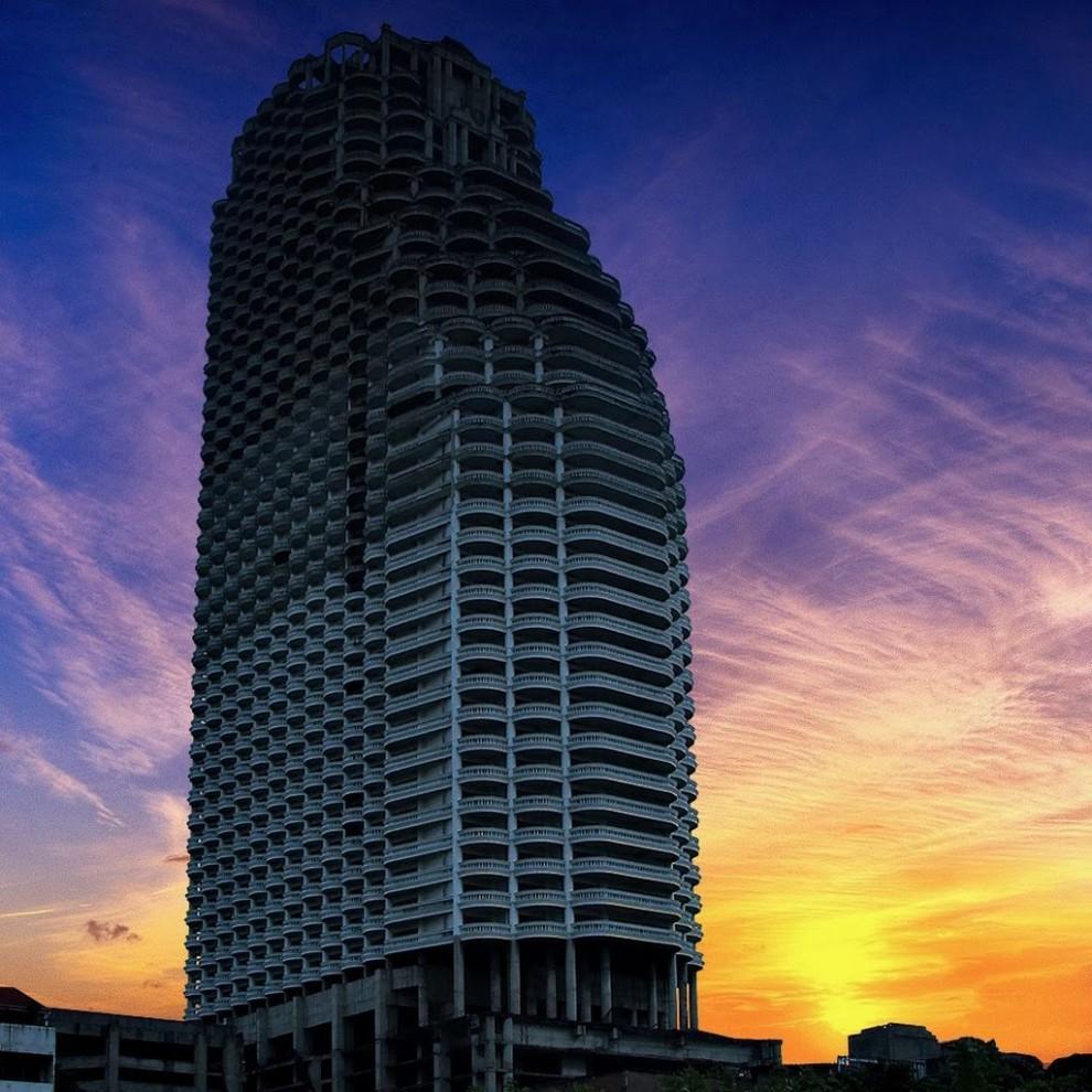 Заброшенные  небоскребы со всего мира