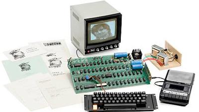 Старинный компьютер Apple-1 …