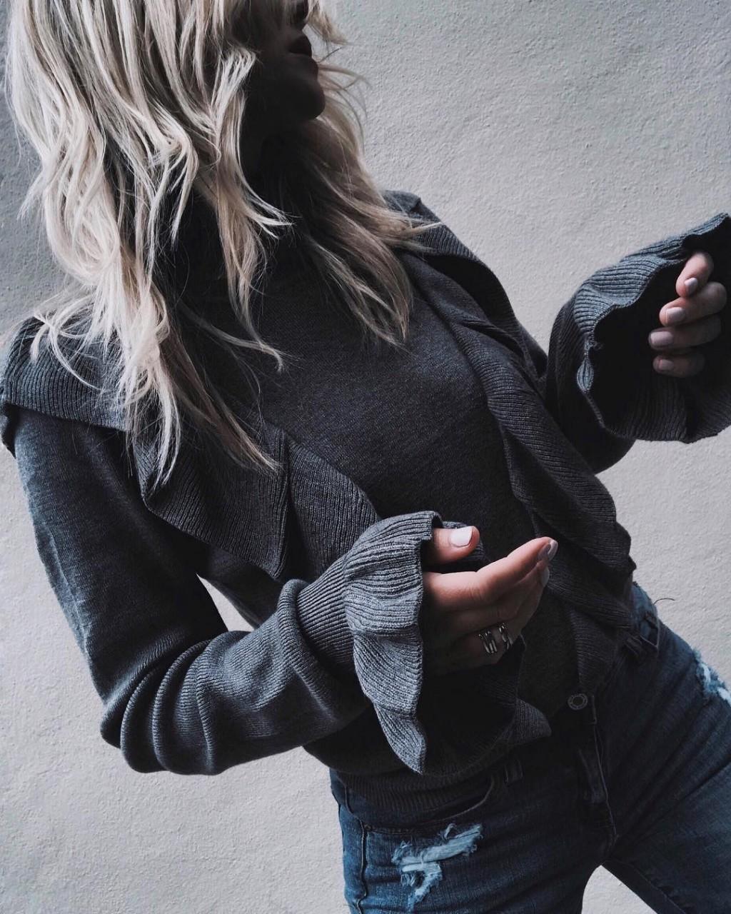Как стильно носить серый цвет зимой: 20 безупречных образов