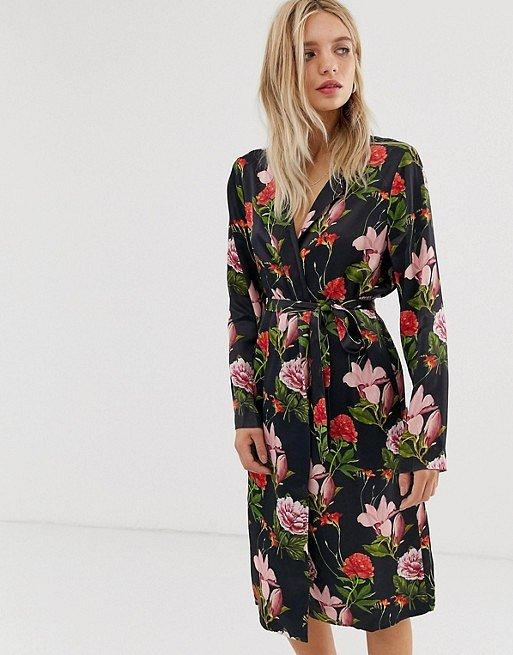 Платья с цветочным принтом - наш ответ серым осенним будням фото №20