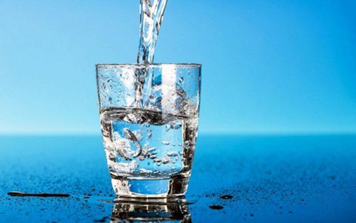 Отличное лекарство от нервов — всего лишь стакан воды!