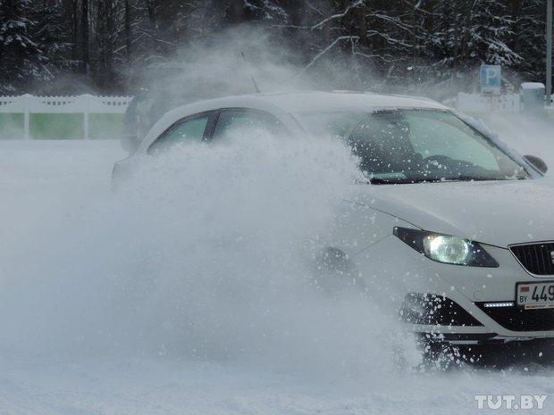 Зимнее вождение: изучаем, как справиться на скользкой дороге на различных типах привода