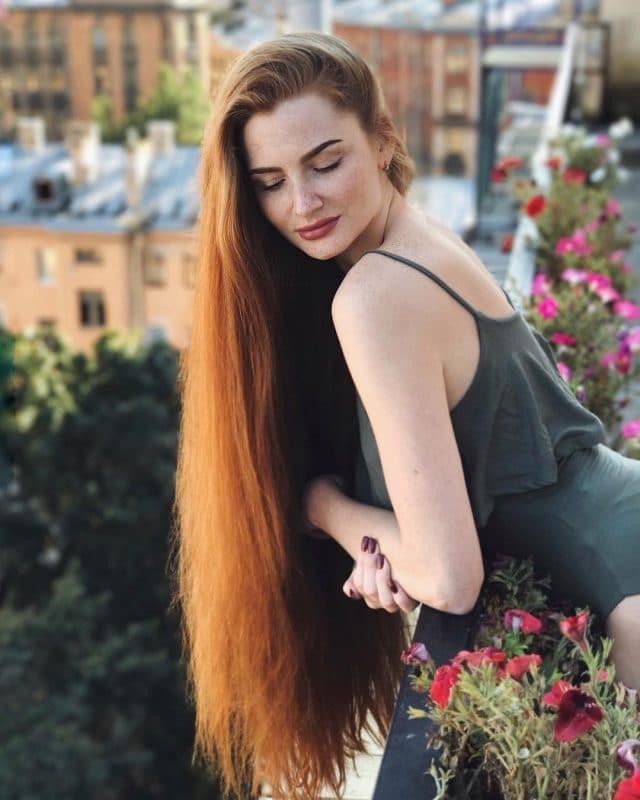История московской Рапунцель: от девушки, борющейся с облысением, до обладательницы роскошной шевелюры!