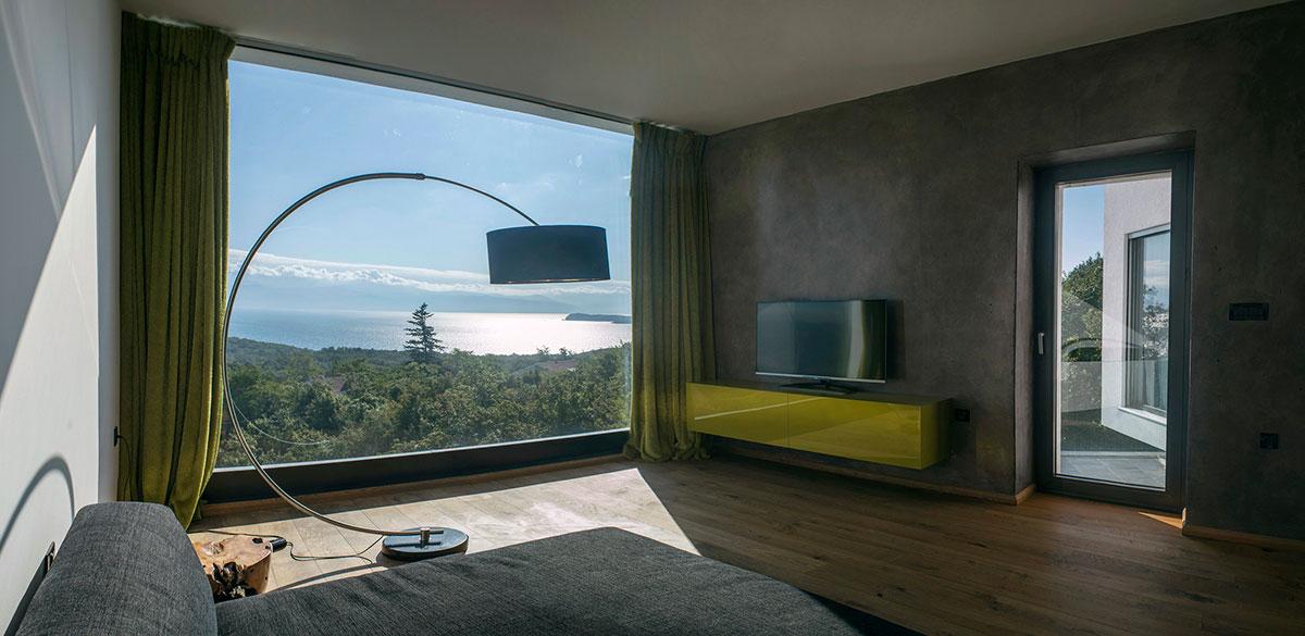 Современный трехэтажный частный дом в Хорватии