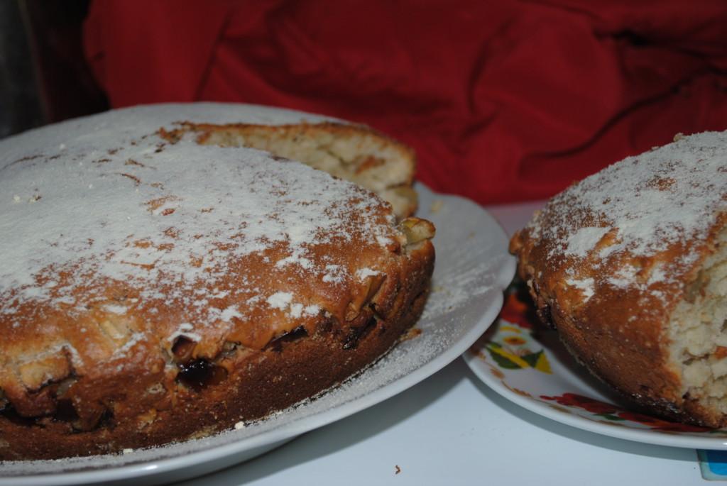Пышный пирог на кефире Ñ Ñблоками и орехами