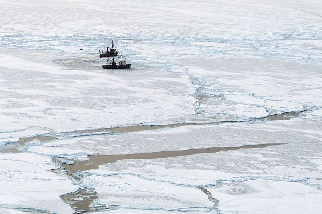 На Сахалин прибыл теплоход, освобожденный из ледового плена в Охотском море